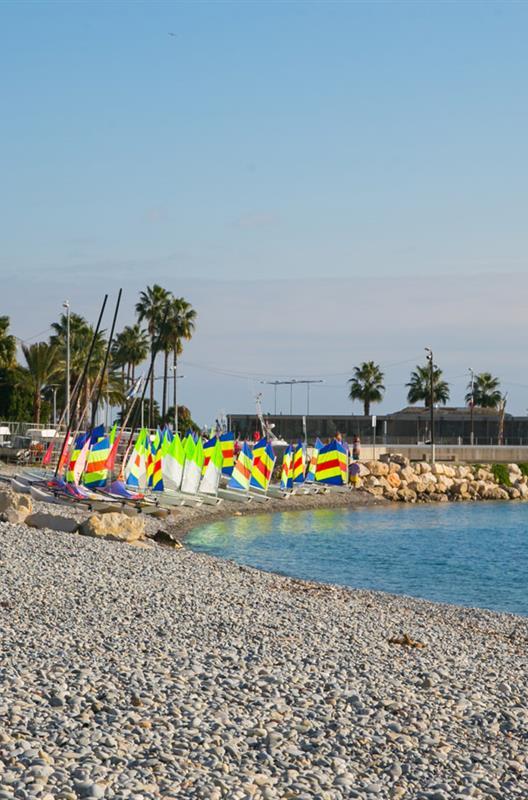 Hotel le val duchesse cagnes sur mer alpes maritime for Garage de la plage cagnes sur mer