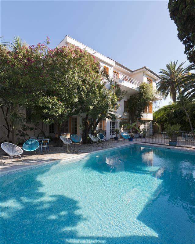 La piscine de l 39 hotel val duchesse a cagnes sur mer 06 for Piscine cagnes sur mer